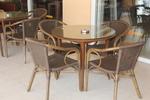 Качествени столове от бамбук за открито заведение