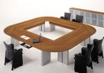 квадратна заоблена заседателна маса с 8 места
