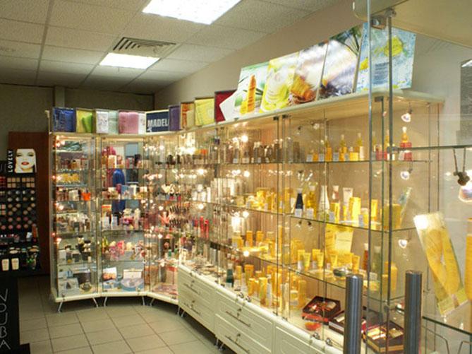 Мебель для магазинов косметики и ювелирных изделий.