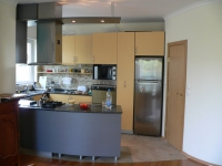 Кухня с водоустойчиво покритие